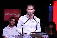 Benoit_Hamon_meeting_Saint-Denis_-_face.jpg